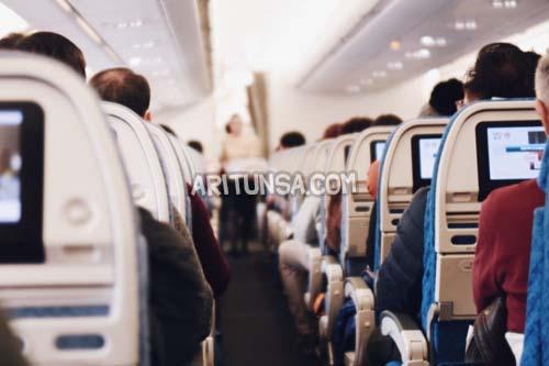 naik pesawat pertama kali