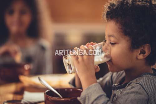 minum susu bikin anak cerdas, susu kecerdasan