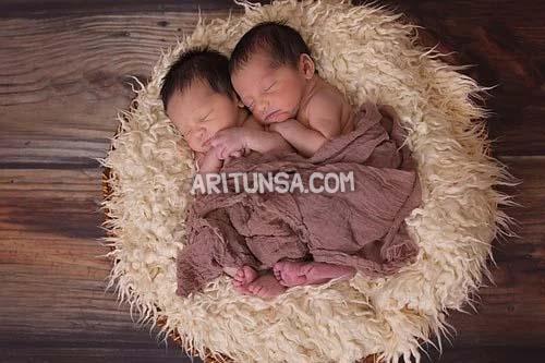 cara berhubungan agar punya bayi kembar, hamil kembar